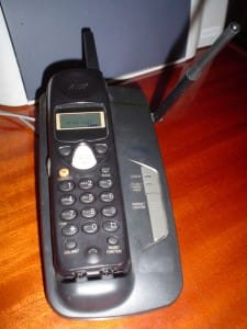 450px-Modern_telephone